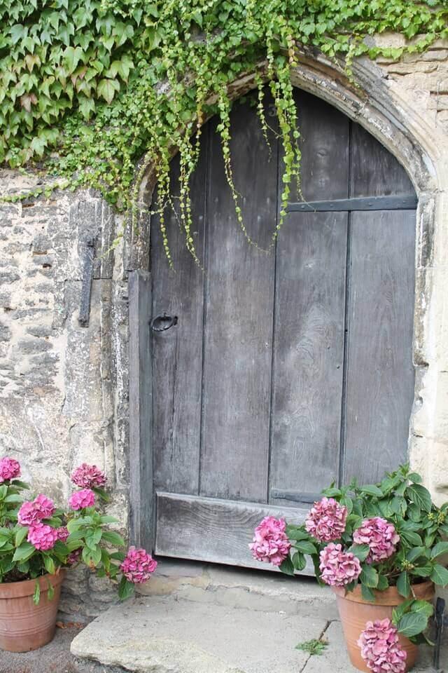 врата от дърво