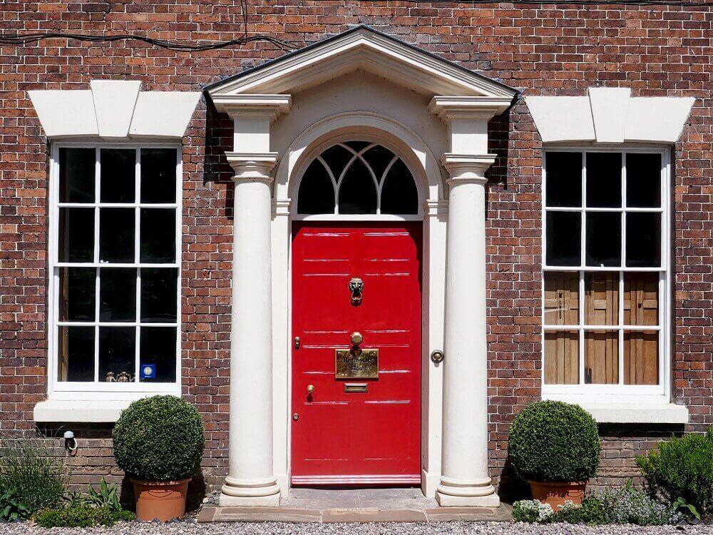 Как да подсигуриш твоят дом с нова входна врата?