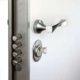 Security Door Bilder Stockfoton Och Vektorer Med 1
